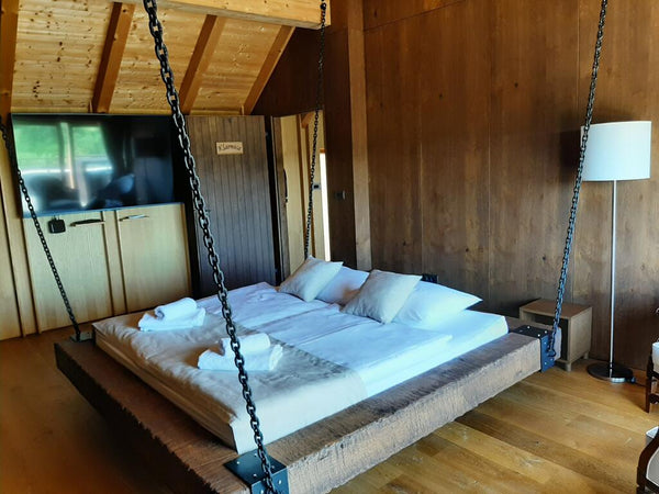Unique residence with Jacuzzi, Sauna and Chained Bed
