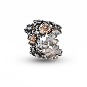 LUSH Daisy Chain Ring