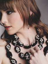 Load image into Gallery viewer, LUSH Bold Necklace
