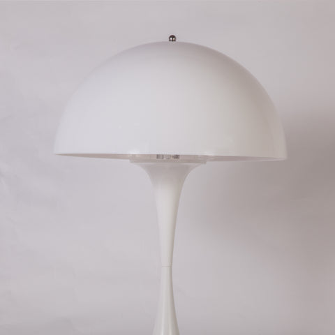 Svartmangatan Table Lamp In White