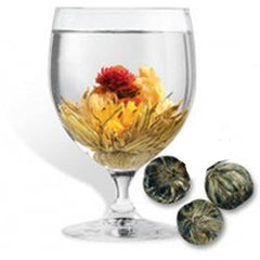 Dragon 4 flower tea is a blooming tea that opens as it is steeped.