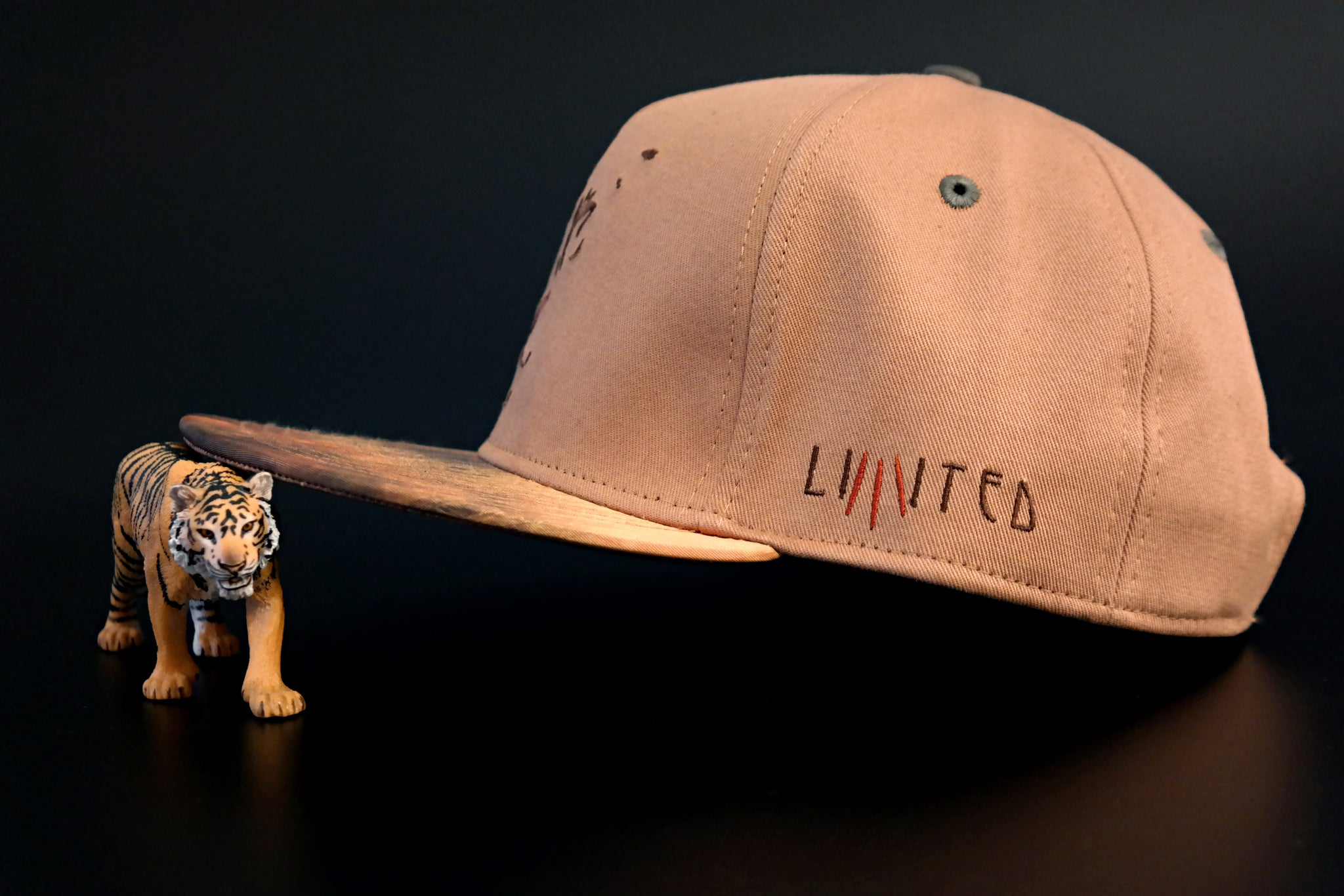 Limited_Limitierte_Snapback_Cap_Claw_02