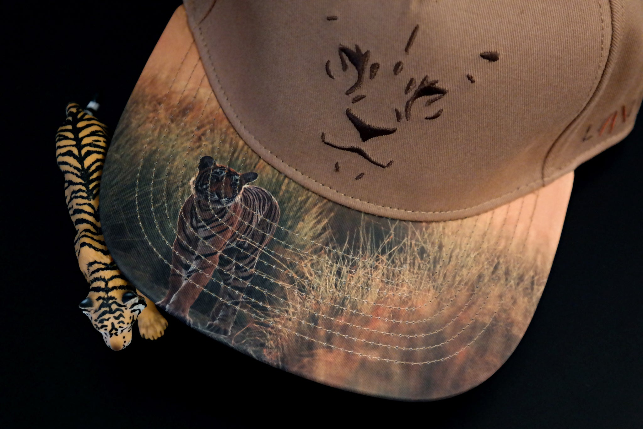 Limited_Limitierte_Snapback_Cap_Claw_05