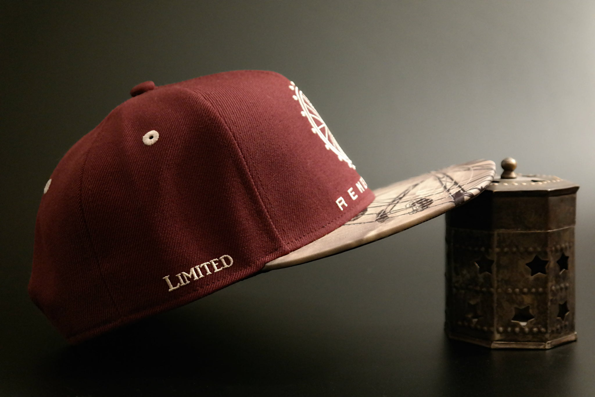 Limited_Limitierte_Snapback_Cap_Remember_03