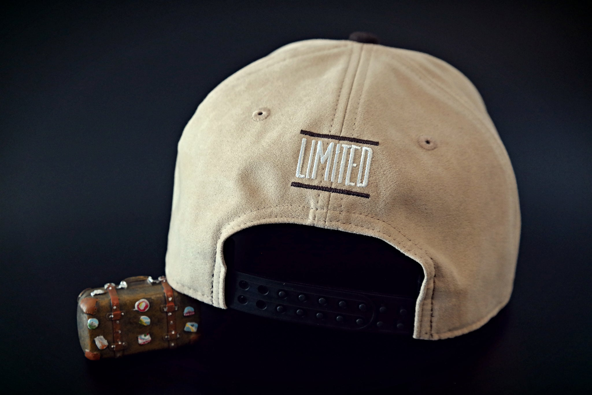 Limited_Limitierte_Snapback_Cap_Travel_04