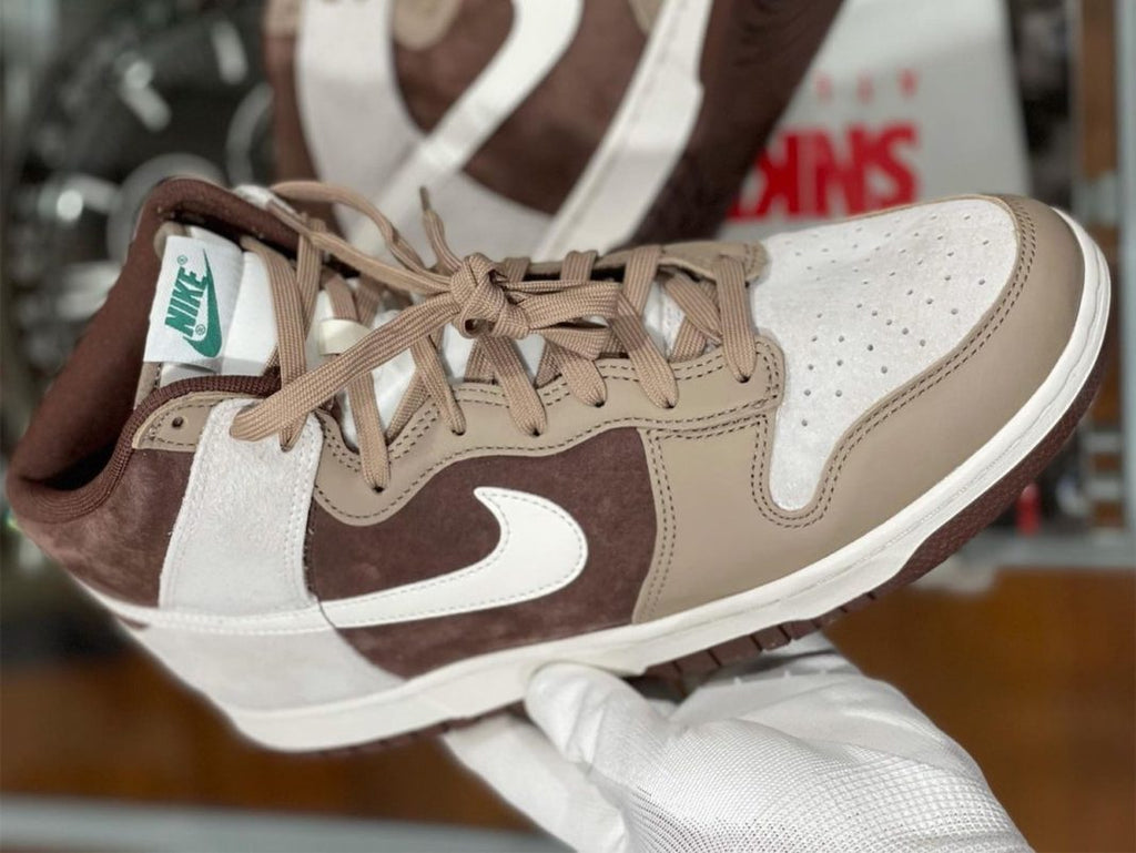 """In-Hand Look at the Nike Dunk High """"Light Chocolate"""" 