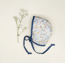 Loading image in Gallery view, Bow hat bonnet in cotton and linen Little Ivy