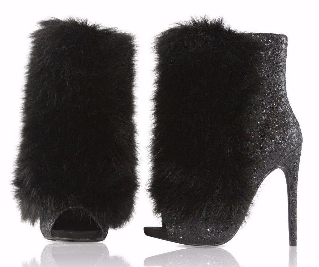 Bestie Black furry Ankle Boot