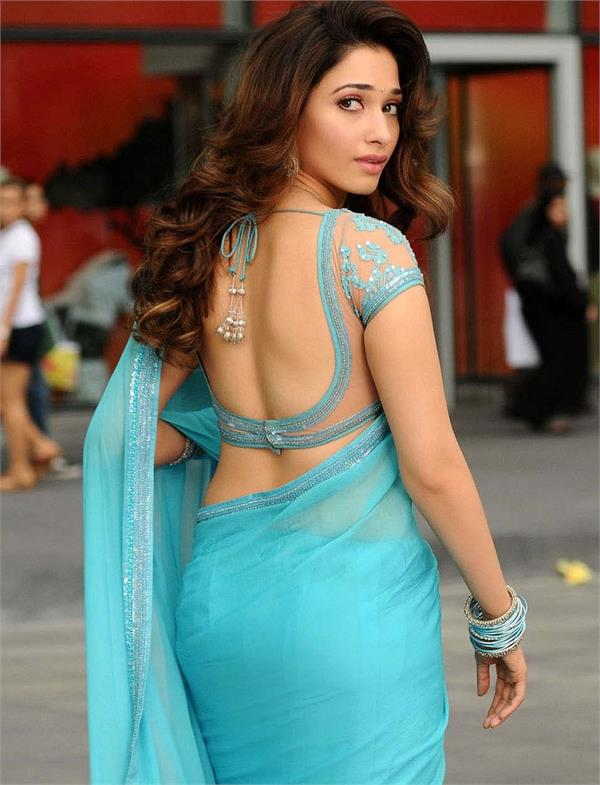 backless saree designs in India