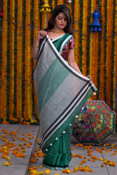 Emerald Green And White Pure Linen Handloom Saree
