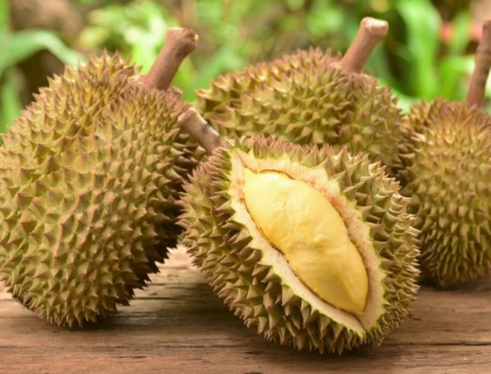 5 Facts and Tips You Need to Know About the Durian!