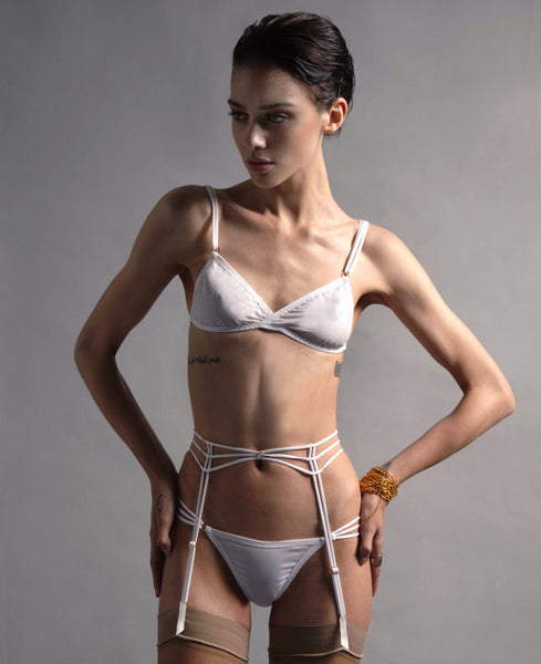 AEON WHITE SUSPENDER