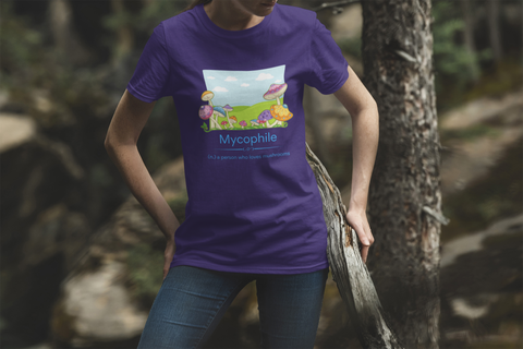 a mycophile loves mushrooms like this woman wearing a mycophile tshirt