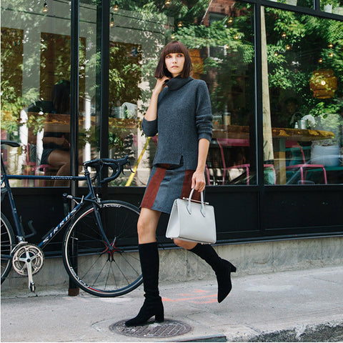 92d2e5d2bb05 Ania B carries The Strathberry Midi Tote in Pearl Grey