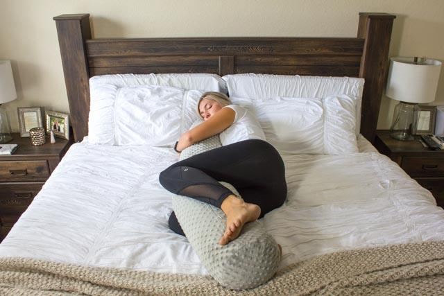 CALMFORTER ORIGINAL WEIGHTED BODY PILLOW - Bed Positions
