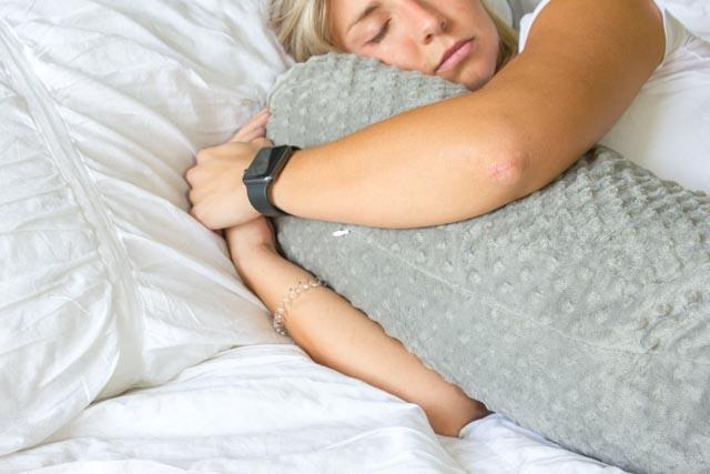 CALMFORTER ORIGINAL WEIGHTED BODY PILLOW - SensaCool Dot(tm) System that helps keeps users cool