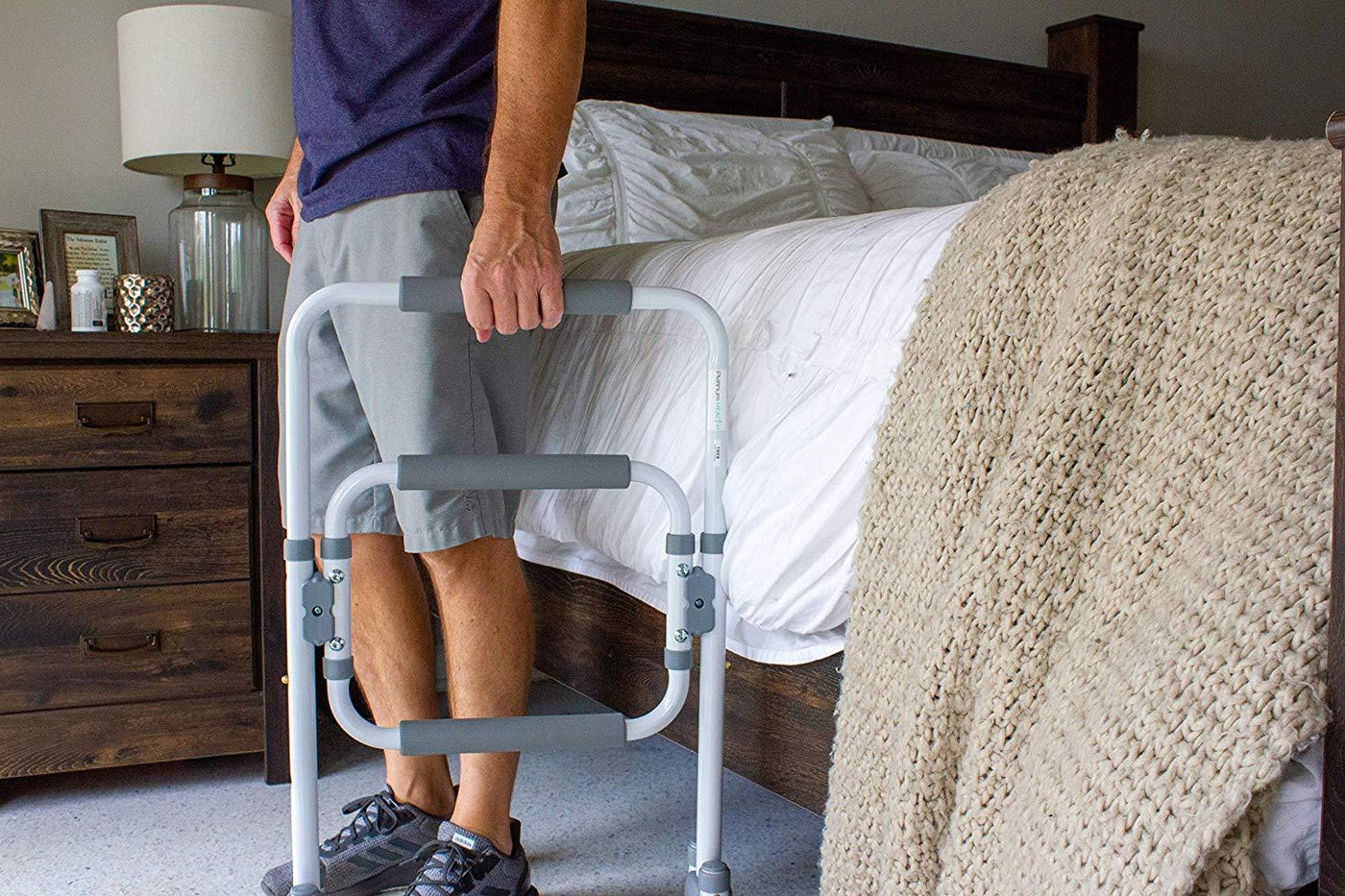 STANDING AID AND SUPPORT FRAME for bed