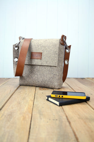 Medium Plain Felt Satchel with Leather Strap