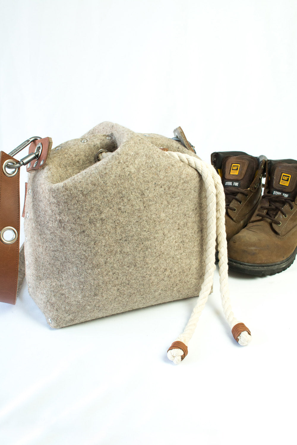 Overnight bag, Felt Large Bag, Felt Messenger Bag, Across The Shoulder Bag, Large Bag, Unisex Satchel, Duffle Bag, Bucket Bag
