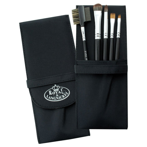 Makeup Brushes in Compact Case