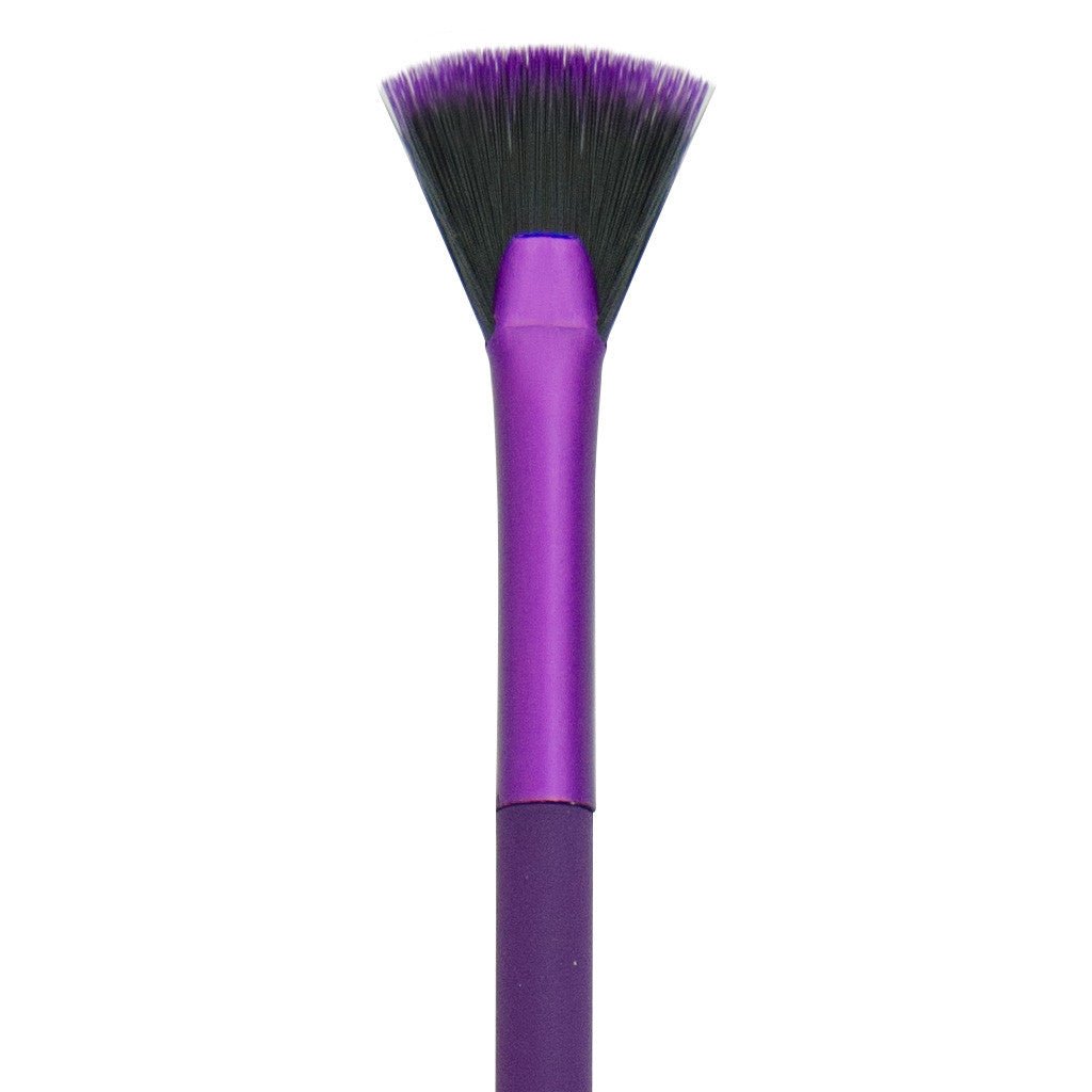 Close-up of hair and ferrule of MODA Micro Glow makeup brush