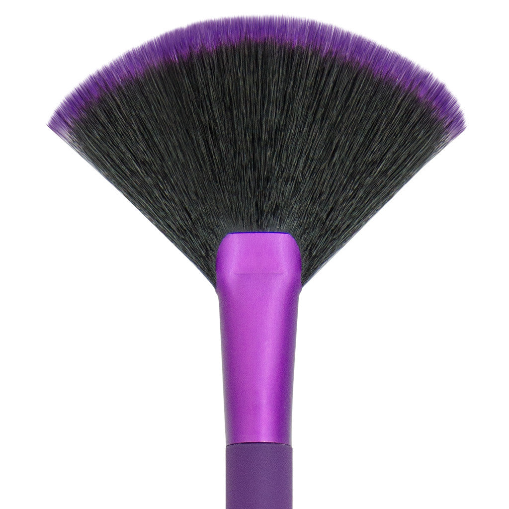 Close-up of hair and ferrule of MODA Fan makeup brush