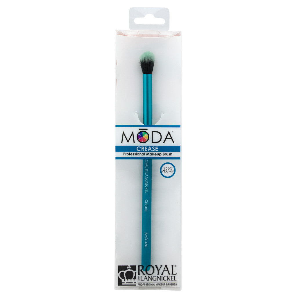 Retail package for the MODA Crease/Smudge makeup brush