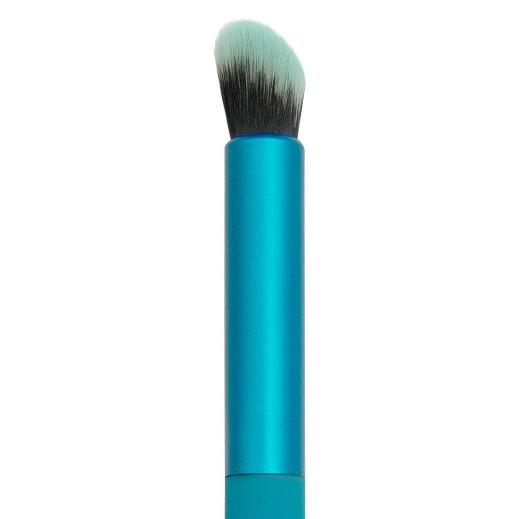 Close-up of hair and ferrule of MODA Angle Eye Blender makeup brush