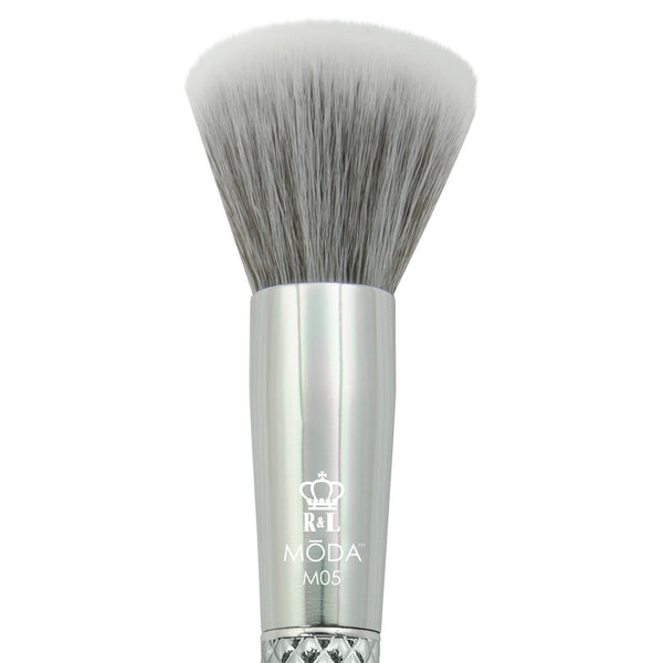M05 - MODA® Metallics Buffer Makeup Brush