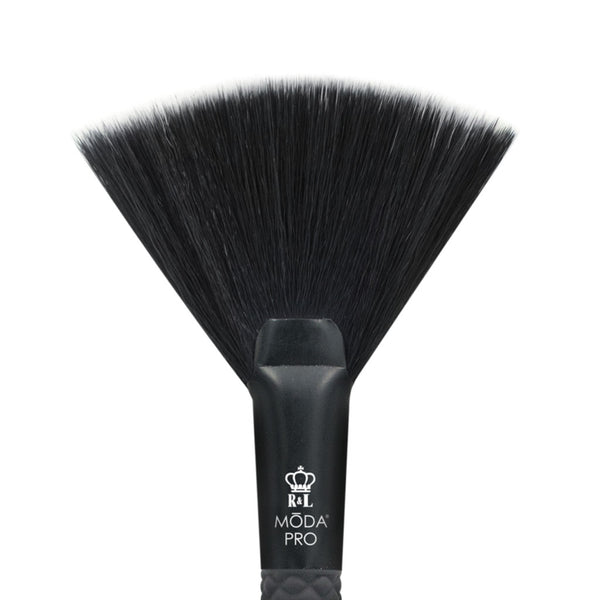 BMX-150 - MODA® Pro Highlight Makeup Brush