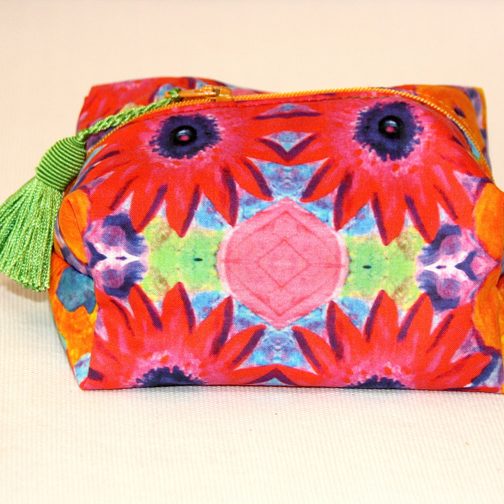 Zip Pouch - Crazy Daisy