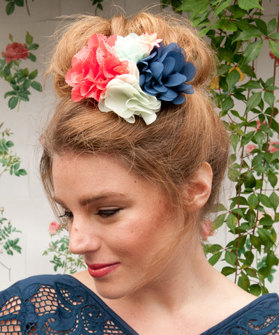 Bouquet Clip | Coral/Navy/Mint