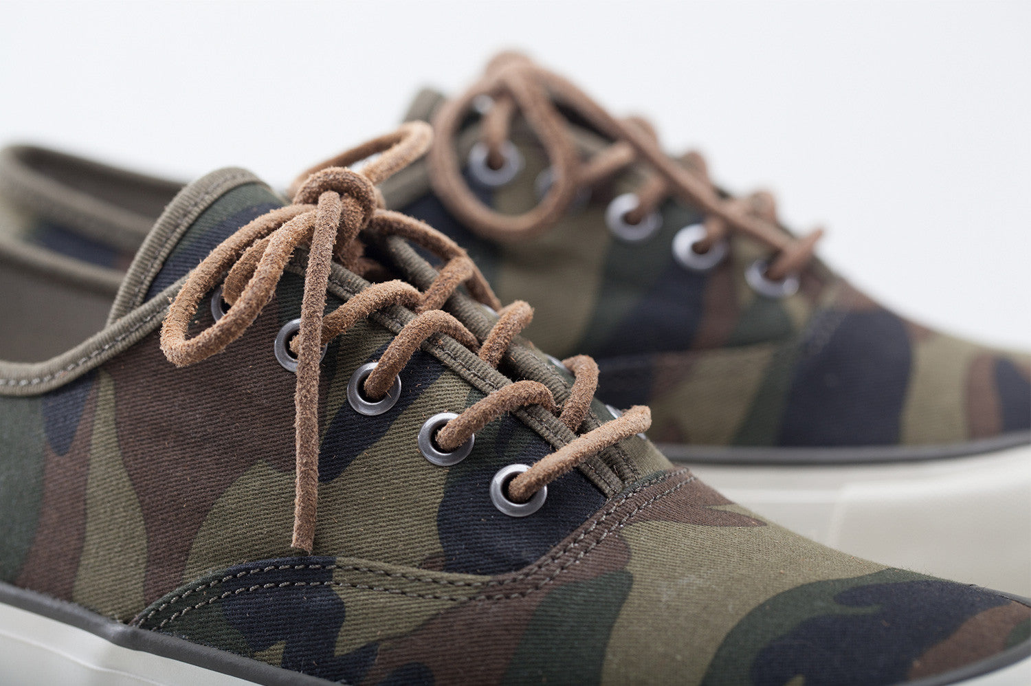 0664M_legend_sneaker_camo_olive_canvas_dtl