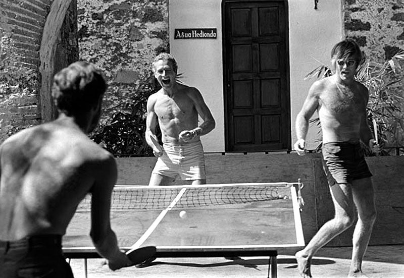 Paul-Newman-and-Robert-Redford-Playing-Ping-Pong