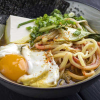Yakisoba with egg, green beans and shichimi togarashi