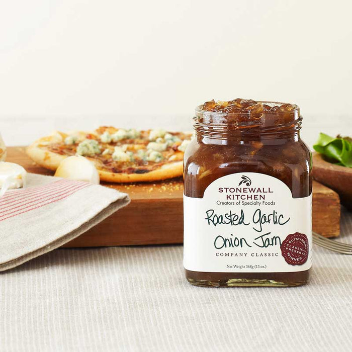 Stonewall Kitchen Roasted Garlic Onion Jam, 13 oz (368g)