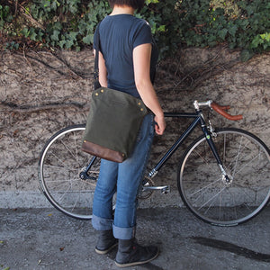 Messenger Bag  (Small) / 4 Colors