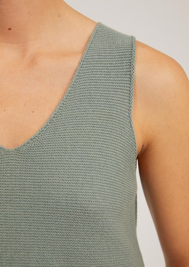 Top WILMAA in eucalyptus green von ARMEDANGELS
