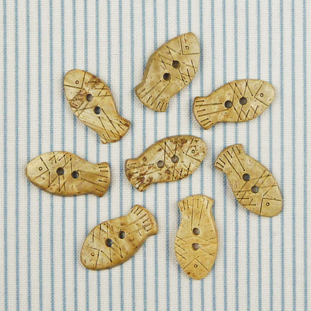 Coconut Fish Buttons ~ 20mm - Billow Fabrics