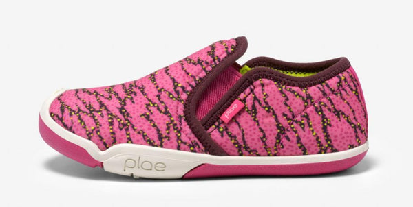 Plae Migi in Electric Fuchsia Surge (Size 8.5, 10.5, 11.5, 12.5)