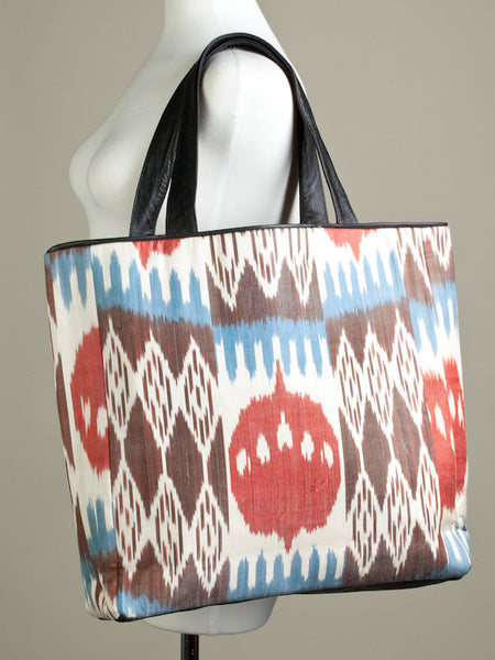 Desert Red Rocks Meets Mountains Tote