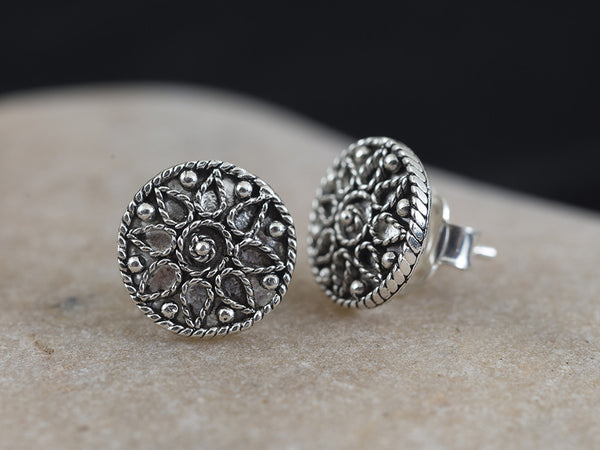 Silver Filigree Floral Stud Earring