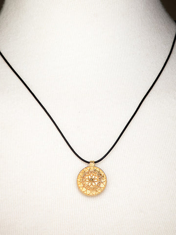 Gold Floral Design Filigree Pendant