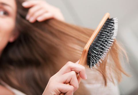 How to brush thin hair