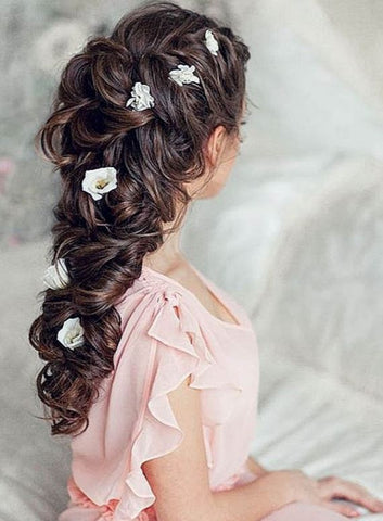 The Greek goddess hairstyle is one of the lovely hairstyles you can do with your Minque clip-in hair extensions.