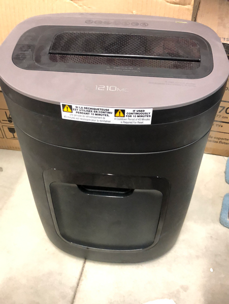 ROYAL 121c paper shredder