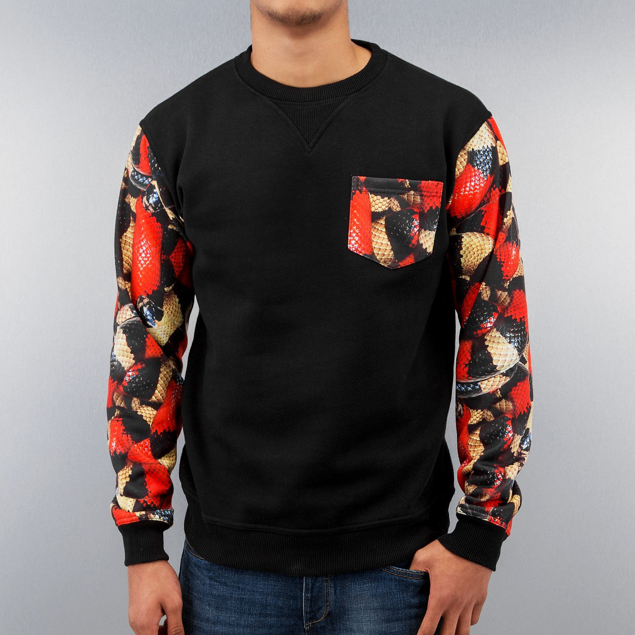 Just Rhyse Snake Pullover  Black