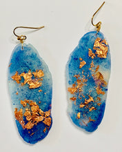 Load image into Gallery viewer, Freeform Periwinkle Blue and Copper Leaf Resin Earrings
