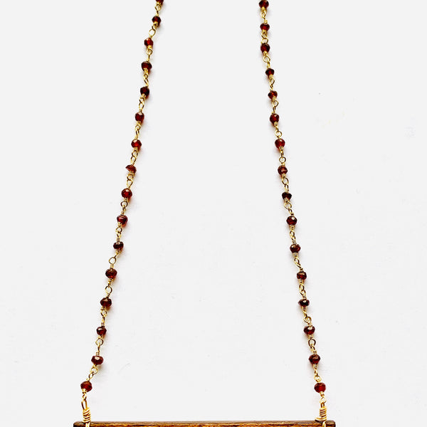 Wood Bezel Rein Leaf Garnet Necklace