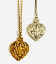 Load image into Gallery viewer, Vintage Religious Medal Necklace